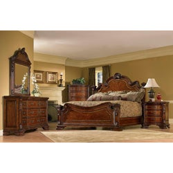 King-size 4-piece Wood Estate Bedroom Set
