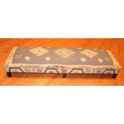 Handmade Traditional Kilim-upholstered Sheesham Wood Low Bench (India)