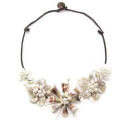Floral Passion Natural Shell Attention Cotton Rope Necklace (Thailand)