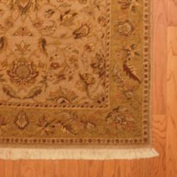Indo Hand-knotted Vegetable Dye Gold/ Beige Wool Rug (4'2 x 5'10)