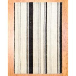 Indo Hand-knotted Tibetan Ivory/ Charcoal Wool Rug (4'1 x 6')