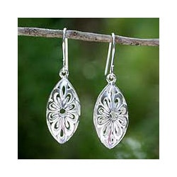 Sterling Silver 'Rice Flower' Earrings (Thailand)