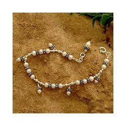 Sterling Silver 'Forever' Pearl Bracelet (3-6 mm) (India)