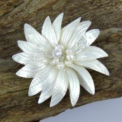 Dancing White Petals Natural Shell Pin/ Brooch (Thailand)