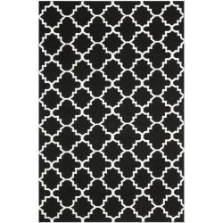 Safavieh Hand-woven Moroccan Reversible Dhurrie Black/ Ivory Wool Rug (5' x 8')
