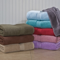 Calcot Supima-Cotton Zero-Twist Three-Piece Bath Towel Set with a Bath Mat