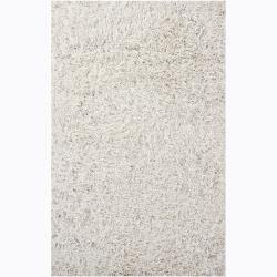 Hand-woven Duketi White Shag Rug (5' x 7'6)