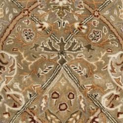 Safavieh Handmade Persian Legend Light Green/ Beige Wool Rug (4'6 x 6'6 Oval)