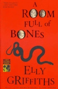 A Room Full of Bones: A Ruth Galloway Mystery (Paperback)