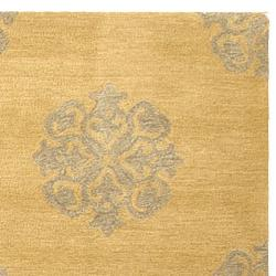 Safavieh Handmade Medallion Beige New Zealand Wool Rug (7'6 x 9'6)
