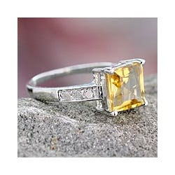 Sterling Silver 'Sunny Sparkle' Diamond Accent Citrine Ring (India)