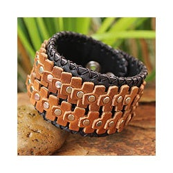 Handcrafted Leather Men's 'The Rhythm' Bracelet (Thailand)