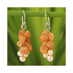 Silver 'Afternoon Glow' Pearl Aventurine Earrings (4 mm) (Thailand)