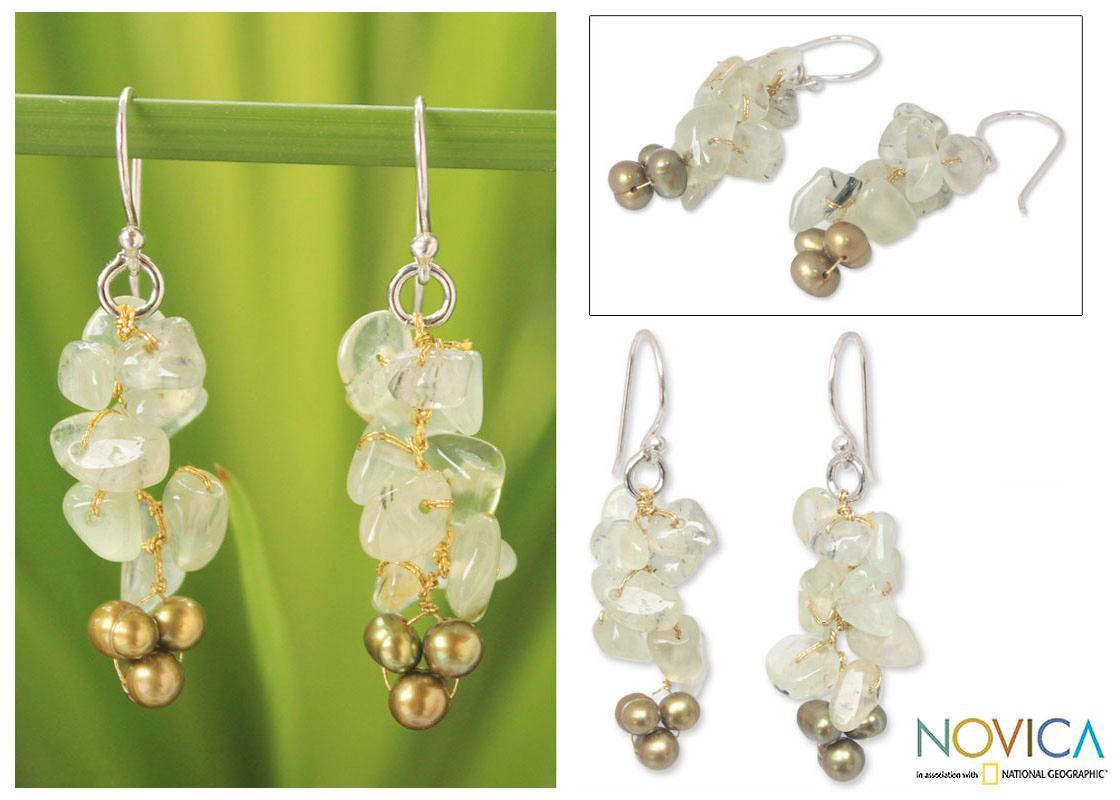 Silver 'Afternoon Joy' Pearl Prehnite Earrings (4-4.5 mm) (Thailand)