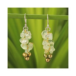 Silver 'Afternoon Joy' Pearl Prehnite Earrings (4-4.5 mm) (Thailand)