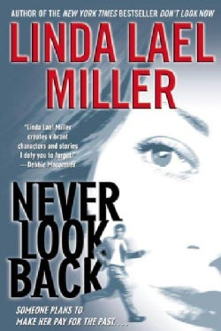 Never Look Back (Paperback)