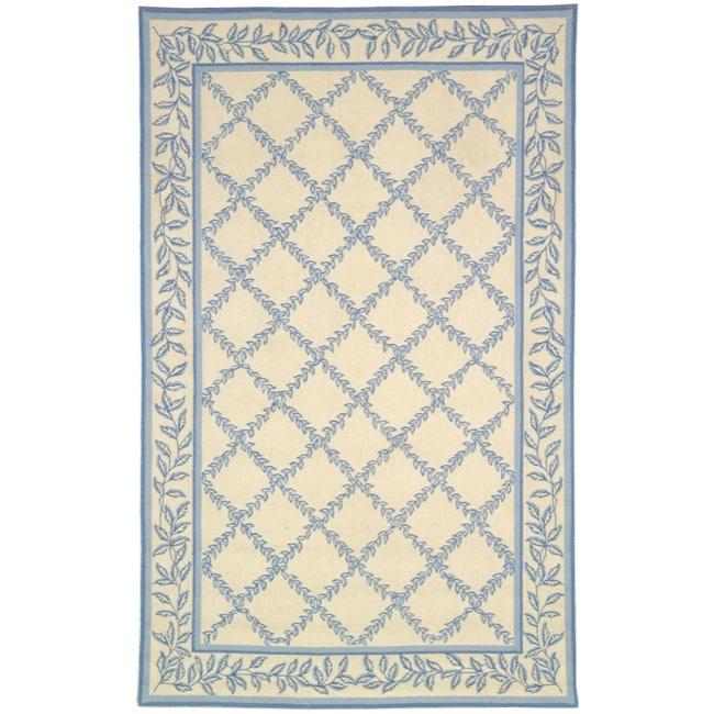 Safavieh Hand-hooked Trellis Ivory/ Light Blue Wool Rug (3'9 x 5'9)