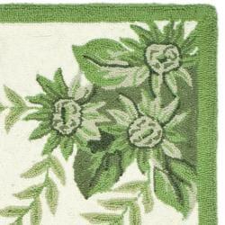 Safavieh Hand-hooked Hens Ivory/ Green Wool Rug (1'8 x 2'6)