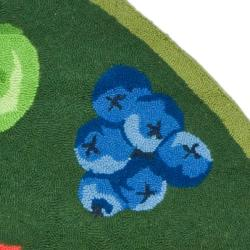 Hand-hooked Chelsea Fruits Green Wool Rug (4'6 x 6'6 Oval)