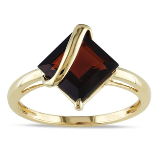 Miadora 10k Yellow Gold 3ct TGW Garnet Birthstone