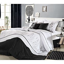 Poppy Flower Black and White 12-piece Bed in a Bag with Sheet Set