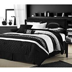 Cheetah Black and White 12-piece Bed in a Bag with Sheet Set