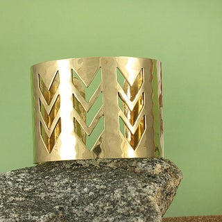Handcrafted Wide Hammered Goldtone Cutout Chevron Cuff Bracelet (India)