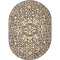 Safavieh Hand-hooked Chelsea Irongate Ivory Wool Rug (4'6 x 6'6 Oval)