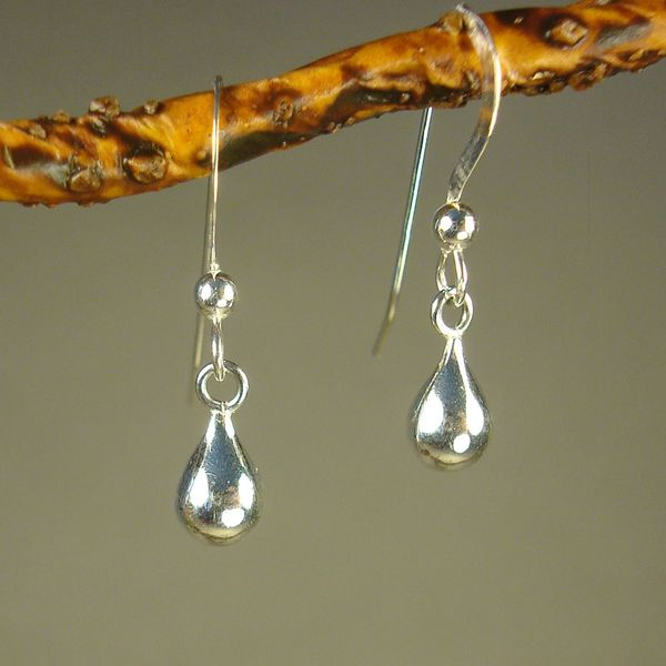 Jewelry by Dawn Small Round Teardrop Sterling Silver Earrings 9461042
