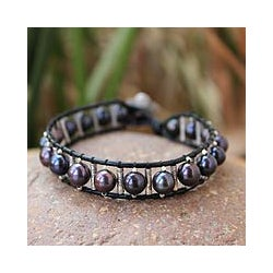 Silver 'Black Azalea' Leather and Pearl Bracelet (7 mm) (Thailand)