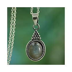 Sterling Silver Labradorite Pendant Necklace 'Jaipur Mist' (India)