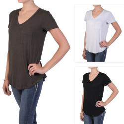 Journee Collection Juniors Pocketed Short-sleeve V-neck Tee
