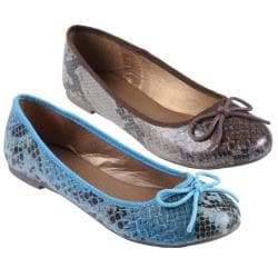 Journee Collection Women's 'Queen' Bow Accent Ballet Flats