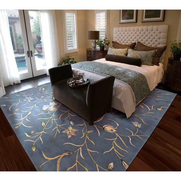 Nourison Hand-tufted Julian Floral Light Blue Wool Rug (5'3 x 8'3)