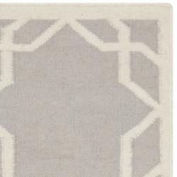 Safavieh Transitional Moroccan Reversible Dhurrie Grey/Ivory Wool Rug (3' x 5')
