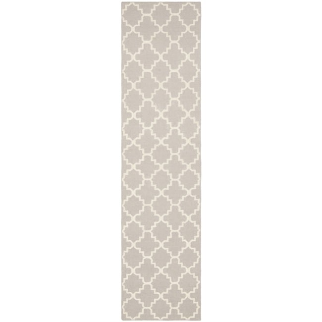 Safavieh Hand-woven Moroccan Reversible Dhurrie Grey/ Ivory Wool Rug (2'6 x 12')