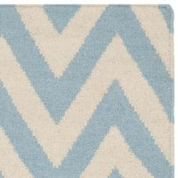 Safavieh Hand-woven Moroccan Reversible Dhurrie Chevron Blue/ Ivory Wool Rug (3' x 5')