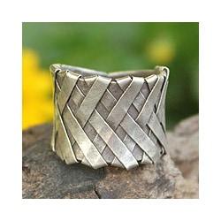 Sterling Silver 'Mae Ping Hug' Ring (Thailand)