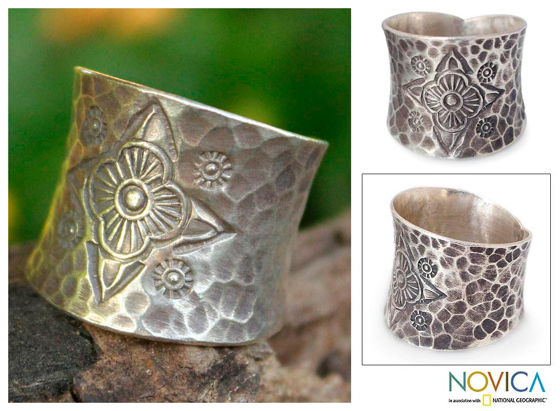Sterling Silver 'Flower Compass' Ring (Thailand)