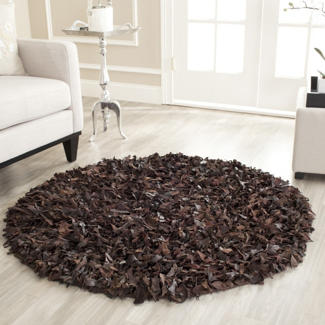 Safavieh Handmade Metro Brown Suede Leather Metro Shag (4' Round)