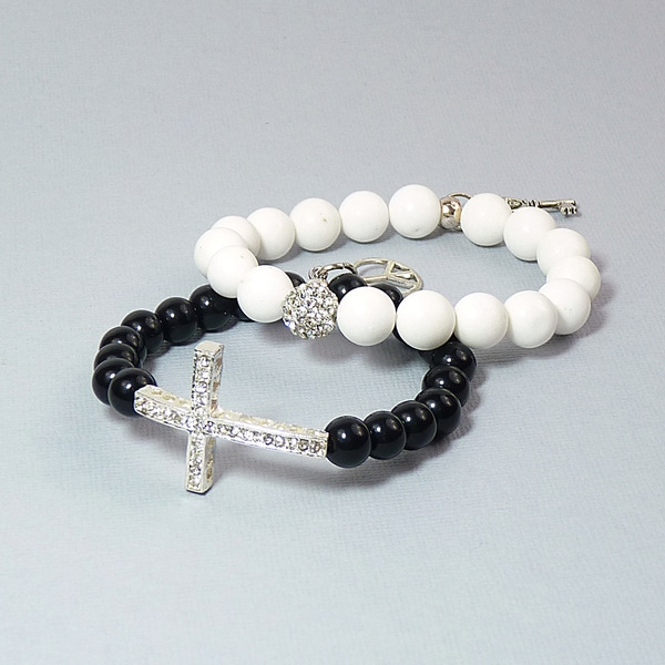 Pretty Little Style Silverplated Jade Stretch Bracelets Night and Day