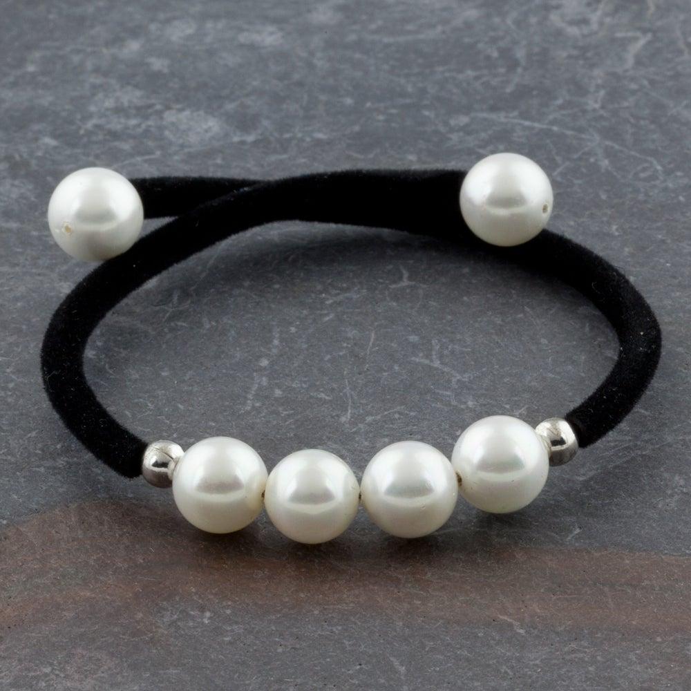 Velvet Bracelet Beaded With Simulated Freshwater Pearls (Thailand)