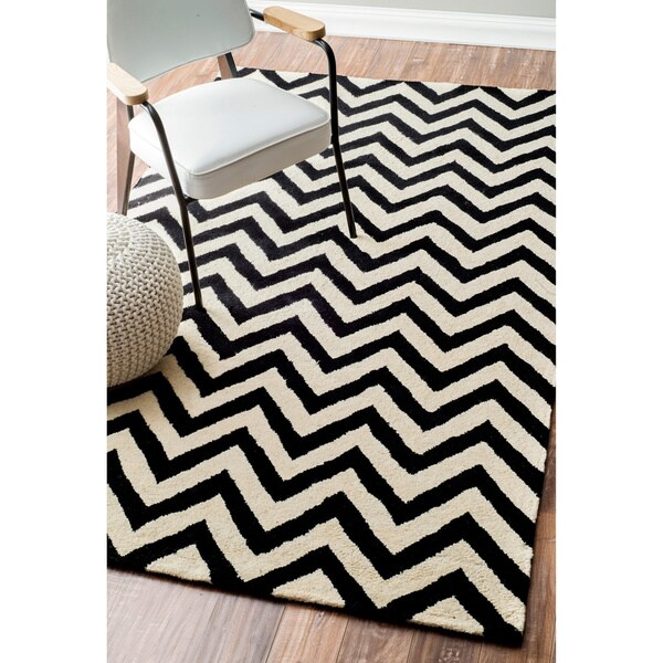 nuLOOM Hand-tufted Spectrum Black Chevron Wool Rug (6' x 9')