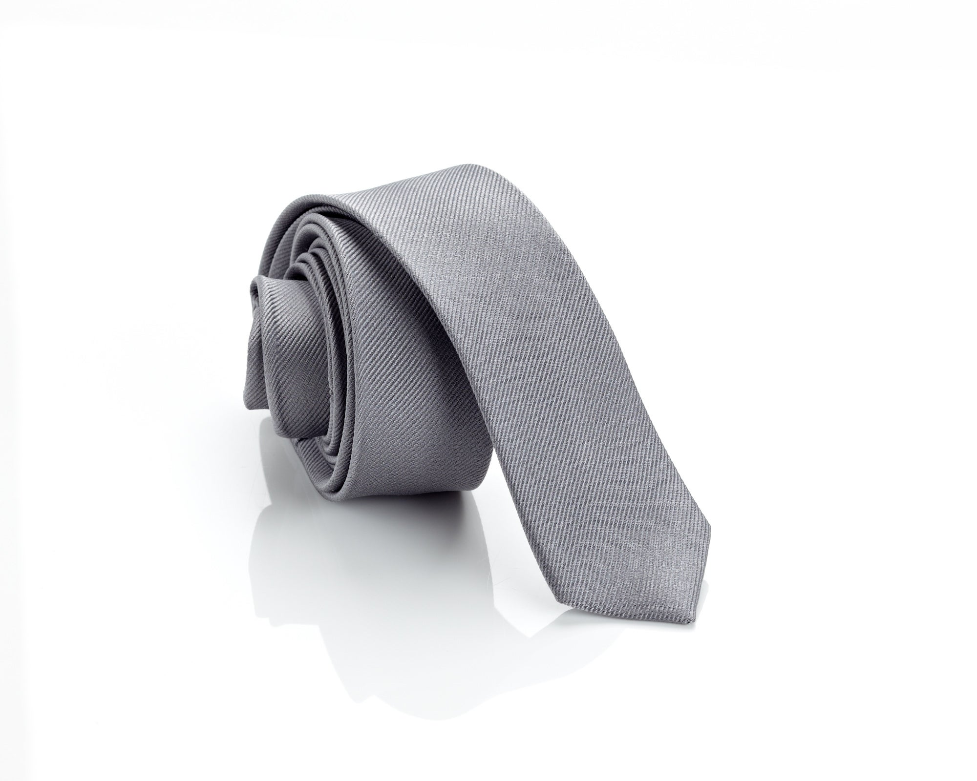 H. Luzzario and Co Men's Grey Italian Silk Slim Tie