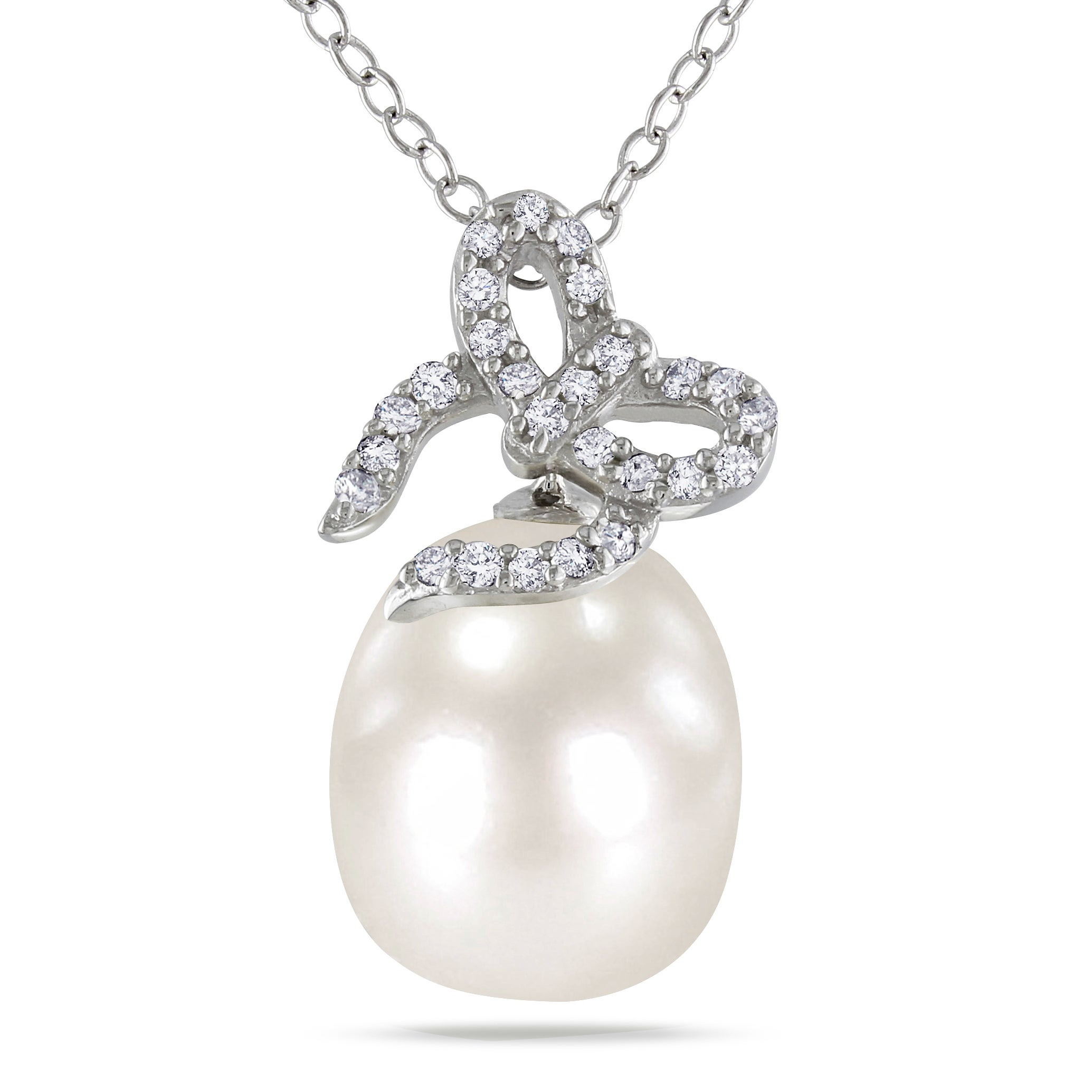 Miadora Sterling Silver Pearl and 1/10ct TDW Diamond Necklace (H-I, I3)