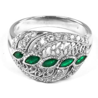18k Gold Emerald and 5/8ct TDW Round-cut Diamond Ring (G-H, VS2-SI1)