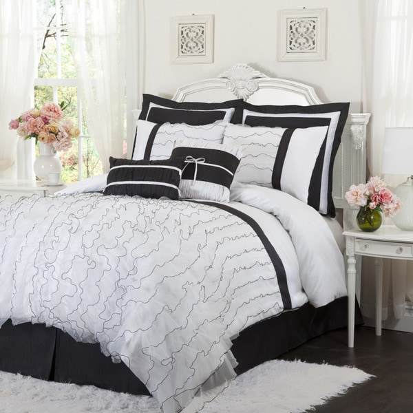L'Amour Eternel Romana Black/White 4-piece Comforter Set