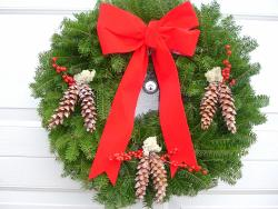 Fresh 24-inch Balsam and Winterberry Wreath
