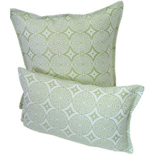 Corona Decor Green/White Indoor/Outdoor Transitional Decorative Throw Pillow Set