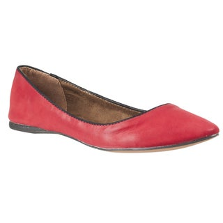 Riverberry Women's 'Caira' Polinted-toe Ballet Flat